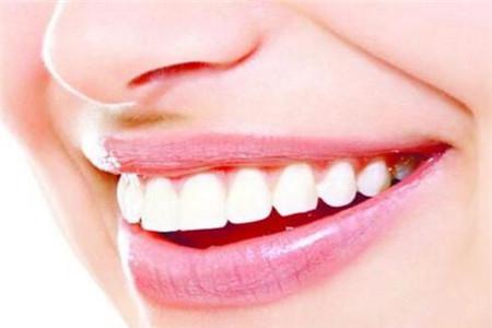 经常牙龈出血的四个常见原因