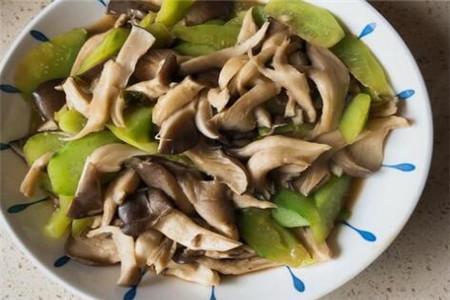 三款炒蘑菇的好吃做法推荐