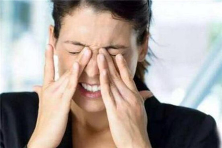 眼睛干涩疼痛或是这五种原因
