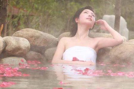 女人冬季泡温泉要注意三个事项