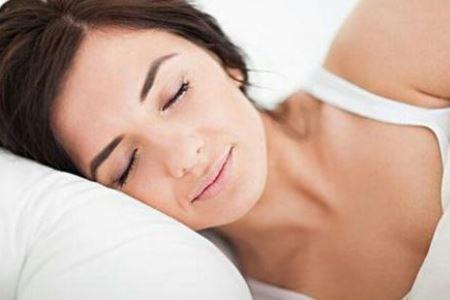 更年期女人睡前要注意两件事